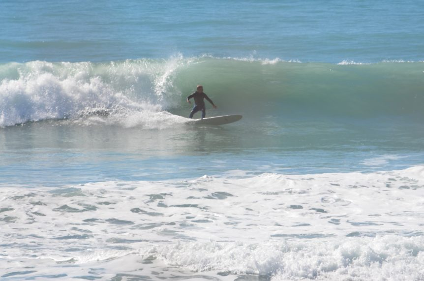 Woolacombe Surf Centre surf instructor Ray surfing, learn to surf with Woolacombe Surf Centre